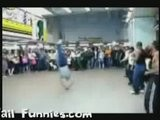 Toto Baby Kick Breakdancing Fail