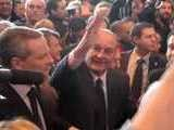Chirac Salue La Foule Au Salon De