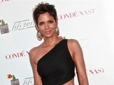 E! News Now Halle Berry' S Skin-Revealing Style