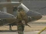 Helikopters Droppen Water Op Japanse Reactor