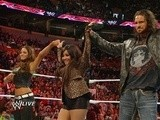 WWE Monday Night Raw Trish Stratus Vs