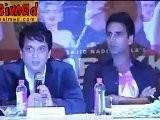 HOUSEFULL With LARA JIAH DEEPIKA. Lucky Akshay Kumar